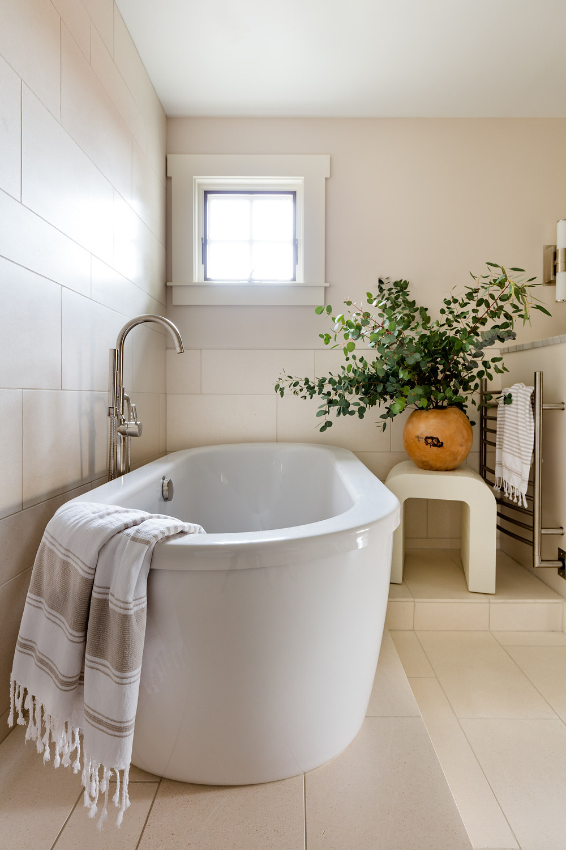 Wilk Design Workshop - limestone bathroom