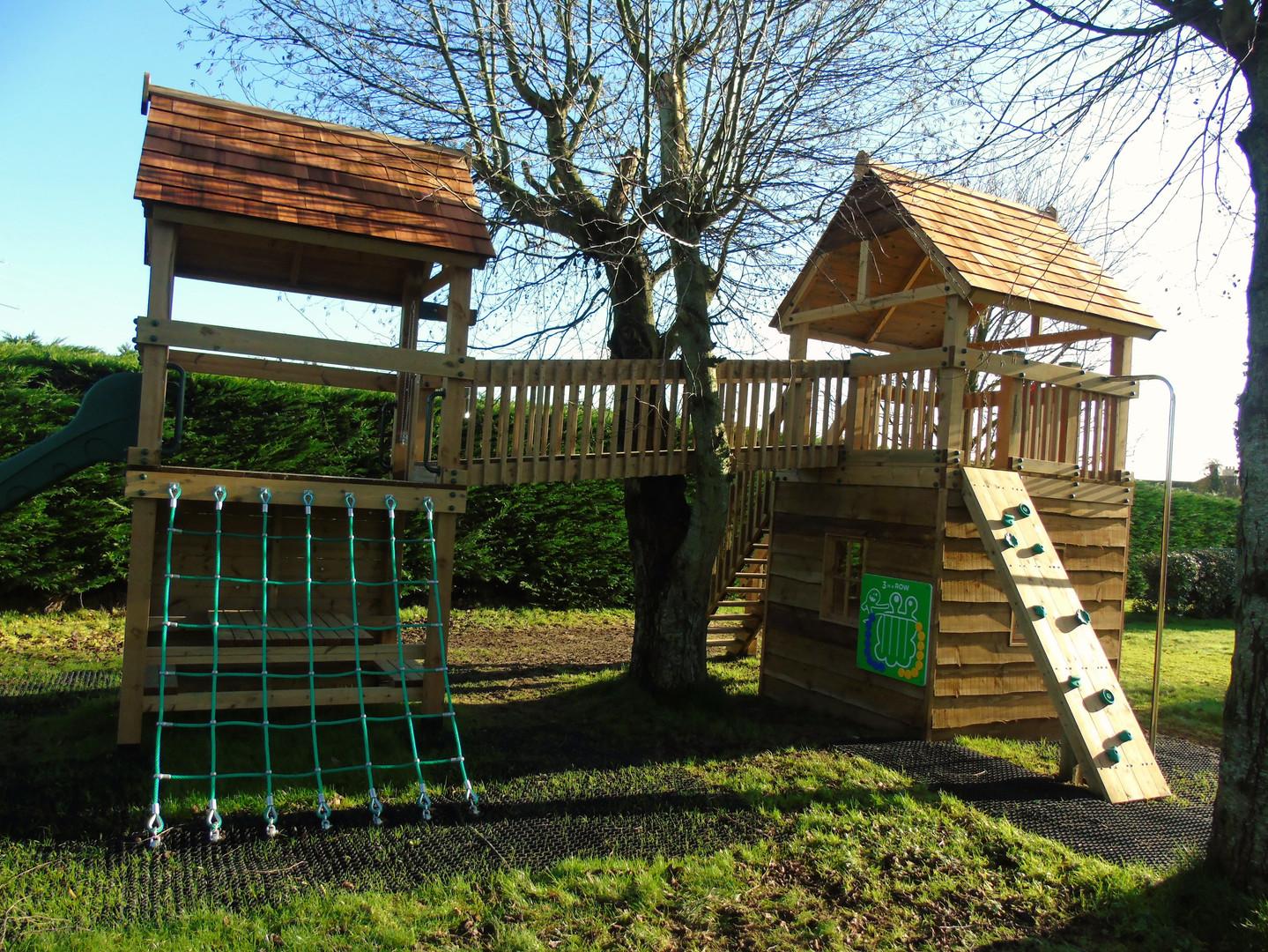 Treehouse With Bridge, Climbing Net & Den