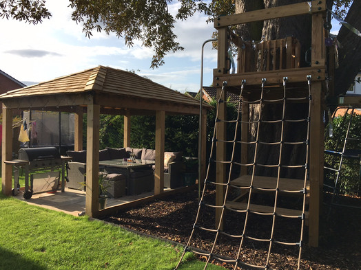 Gazebo and play tower - Reading