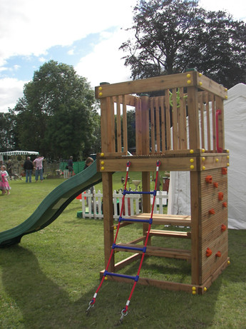 Play Tower With Picnic Bench