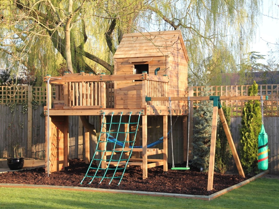 Treehouse - Surrey - With Swing Arm & Boxing Bag