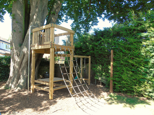 Play Tower With Picnic Bench, Cargo Net And Swings