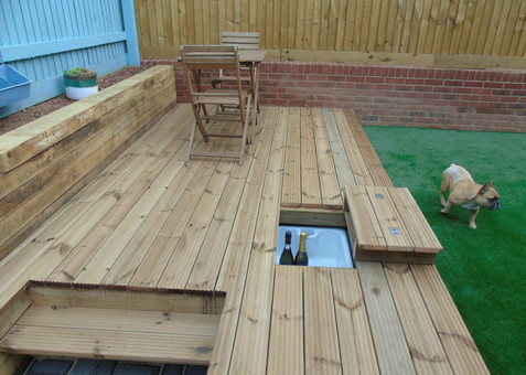 Decking With Concealed Beer Chiller