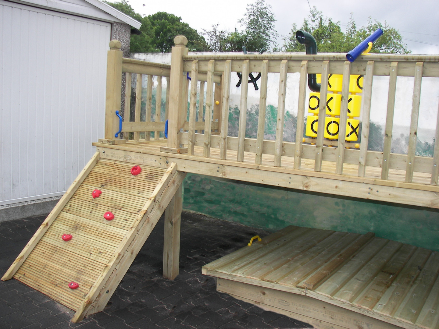 Pre-School Play Tower & Sand Pit