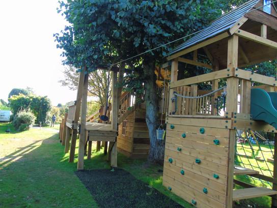 Treehouse with zip wire - Devon