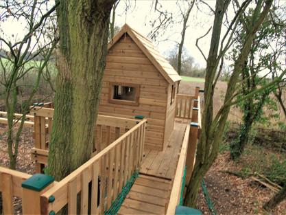 Treehouse with clatter bridge