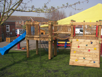 Commercial playtower - Bowhill school - Devon