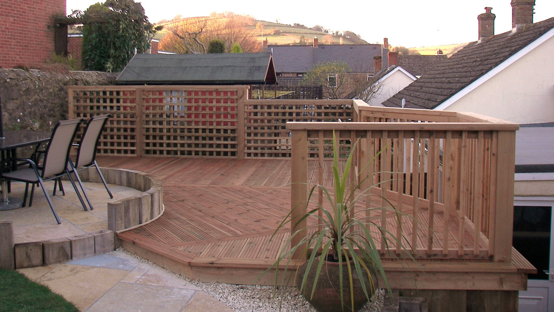 Decked Area With Cicular Patio