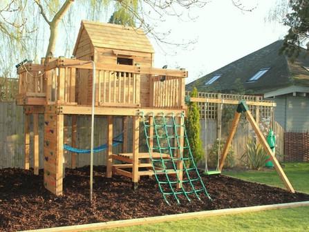 Treehouse - Surrey
