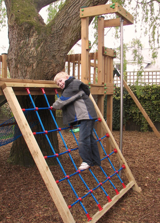 Play Tower - Surrey - Steel Core Cargo Net