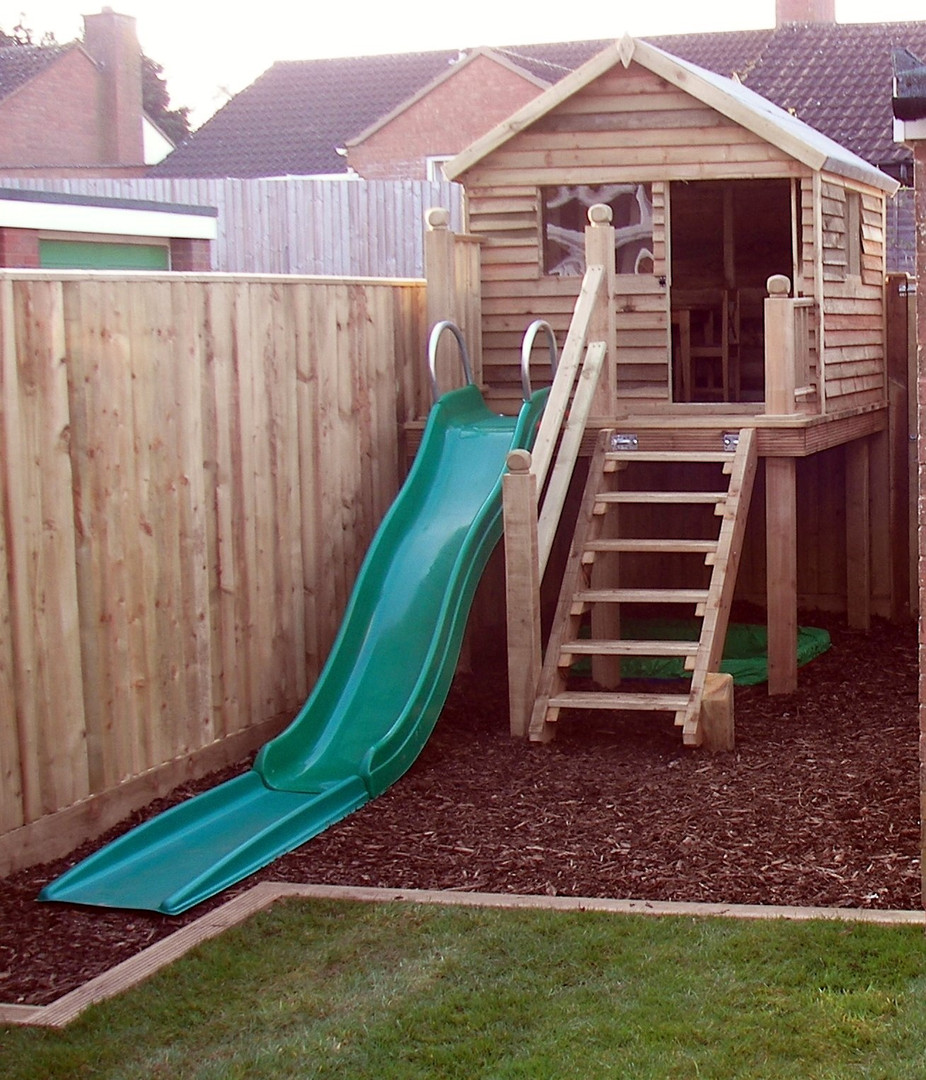 Play Den With Raised Deck Area & Slide