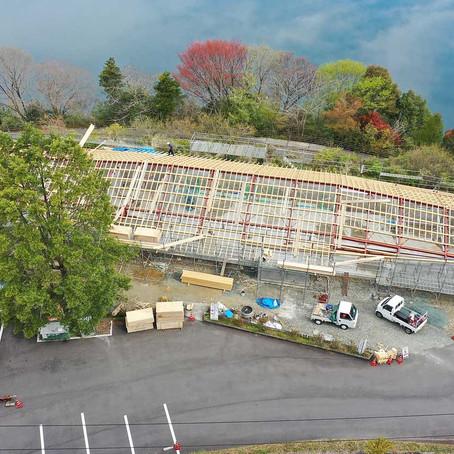 【高知県土佐町湖の駅】木と鉄骨のハイブリッド屋根が上棟