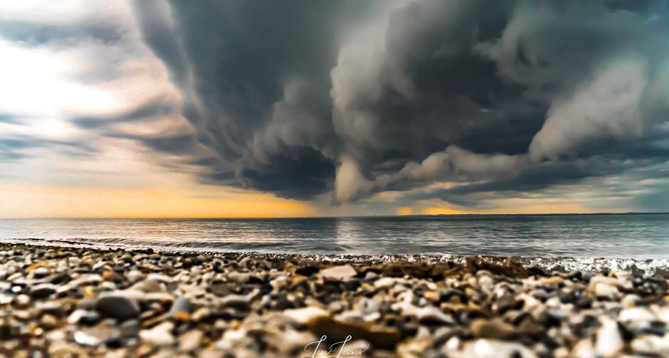 storm rolling in.jpg