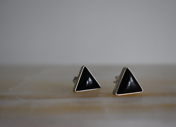 Onyx Triangle posts