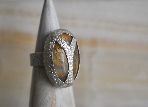 Scarab ring in Rutilated quartz size 8