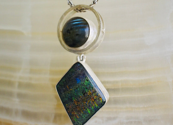 Fairy opal ad labrodorite magic wand