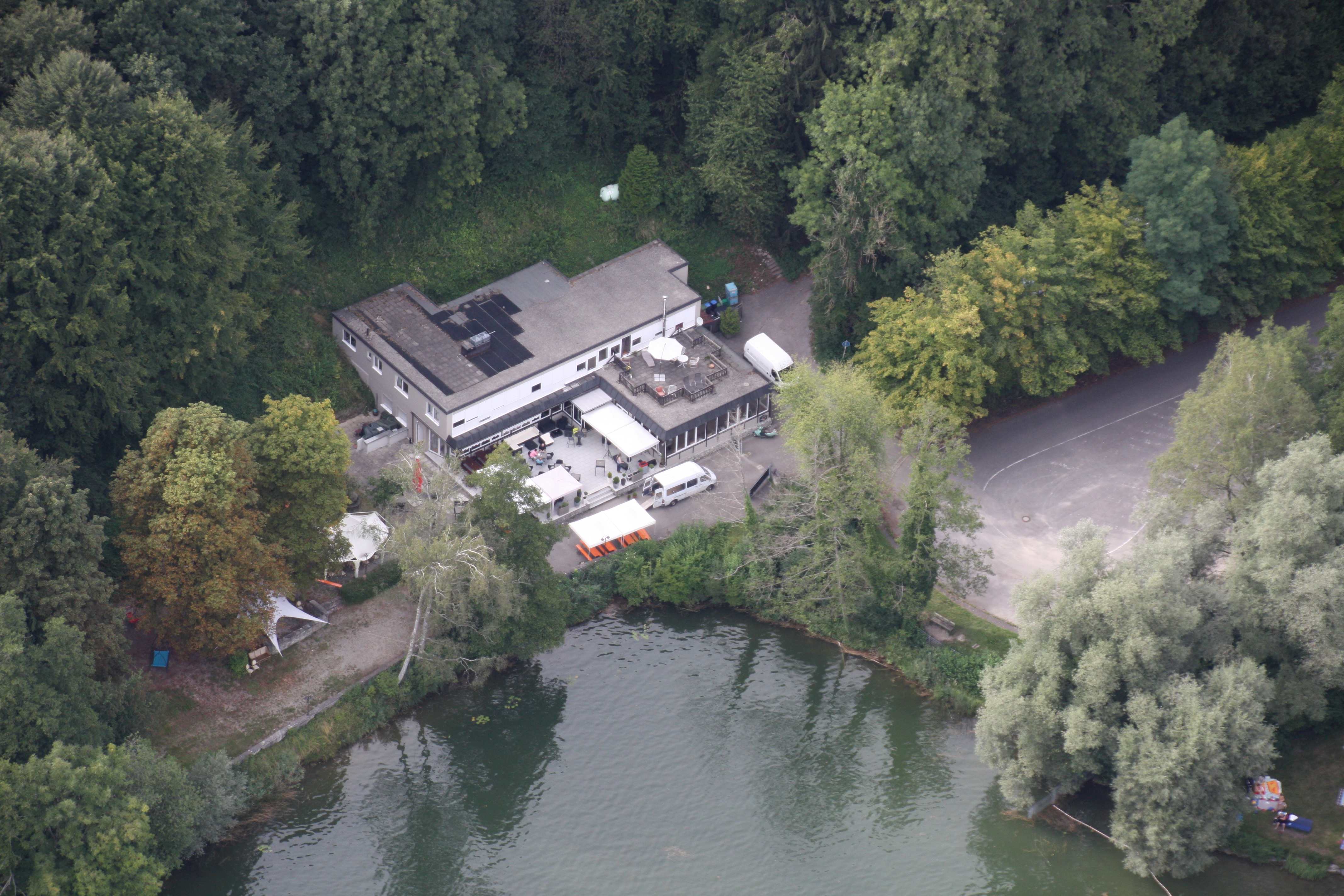 Haus am See von oben
