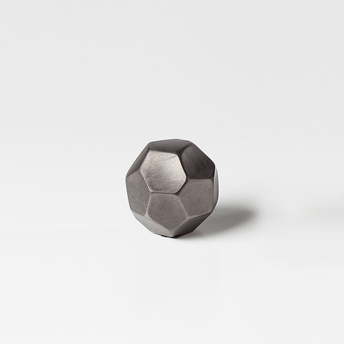 Linus Chiseled Brushed Décor Balls Graphite