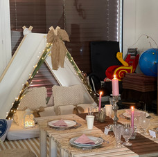 PICNIC + SLEEPOVER PARTY for a family of 4