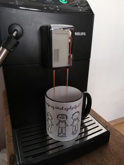 Bögre friss kávéval