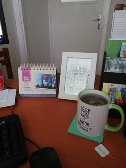 Bátorító irodai asztal