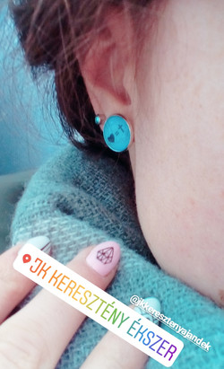Szíves-keresztes fülbevaló