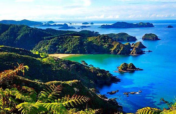 bay-of-islands-north-island-new-zealand.