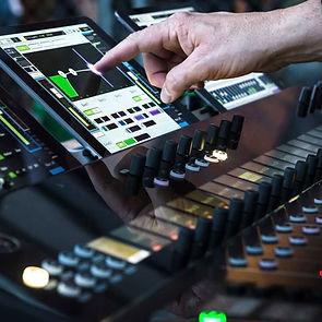 MFi Pro - Mackie Axis Digital Console