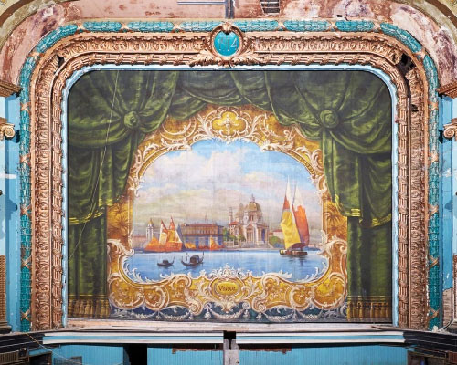 MFi Pro - The Original Colonial Fire Curtain