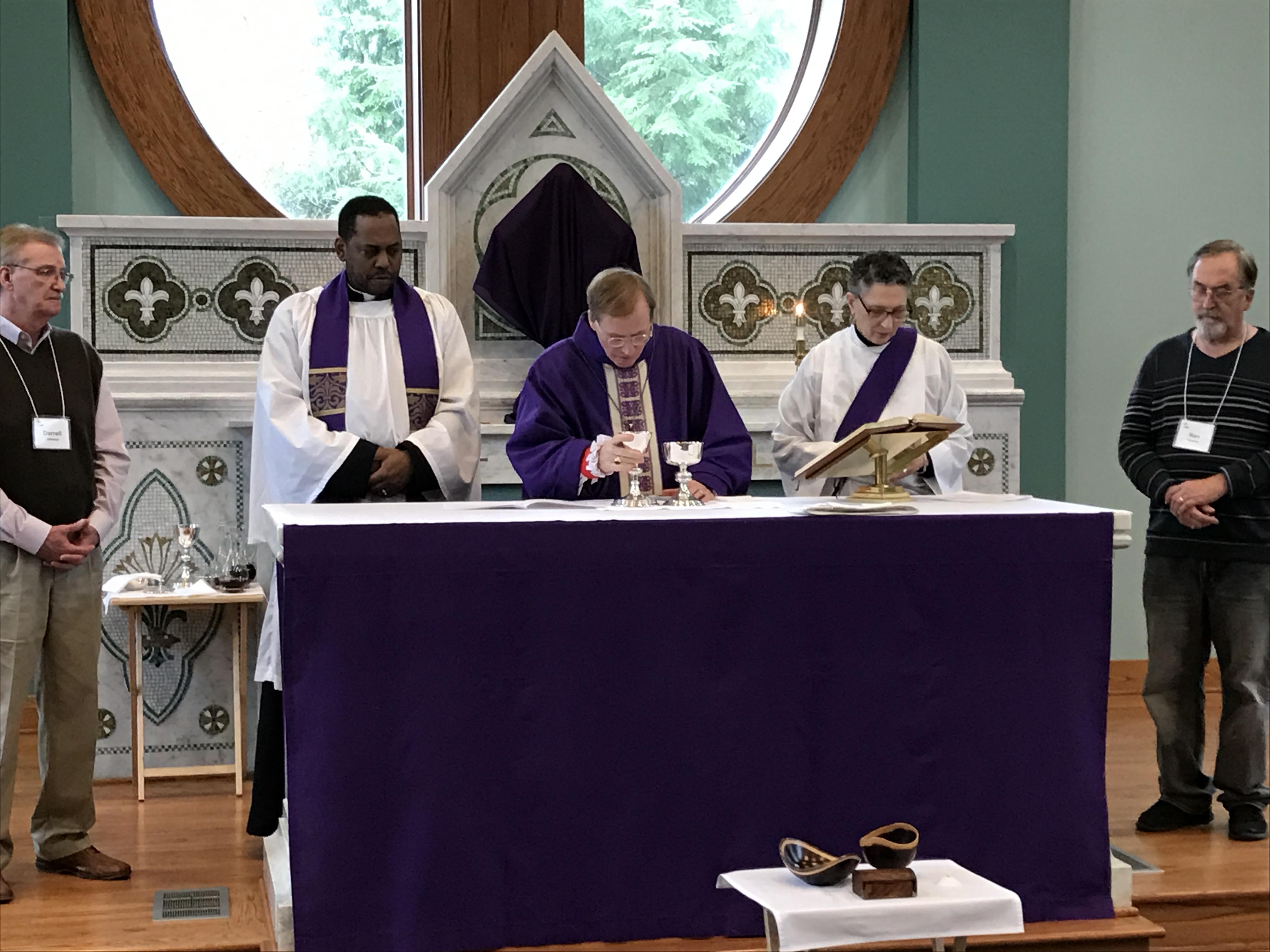 Evangelism Conf 2017 - group at alter