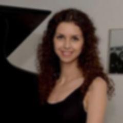 Armine Klavier(1)_edited_edited.jpg