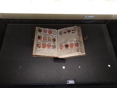 Buch in Virtrine Leinenbezug anfertigen lassen