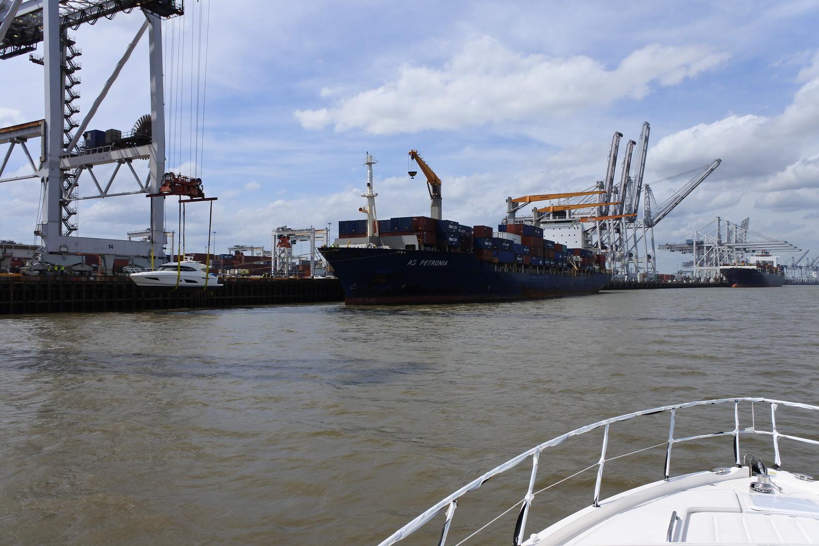 Savannah Offload. 48' & 54' Riviera