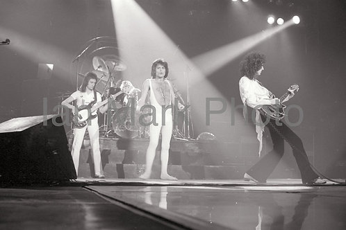 Queen 8X12 Photo