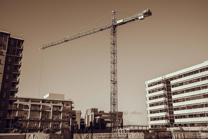 crane-4026476_1920.jpg
