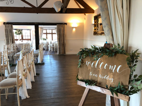 wedding accessory hire, wedding decorations, wedding welcome sign