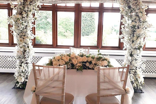 White Top Table Flower Arrangements