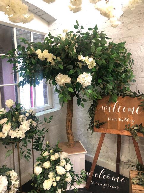 greenery blossom tree, blossom tree hire, blossom tree centrepiece, blossom tree wedding decor, perfectly unique occassions, asain wedding specialists