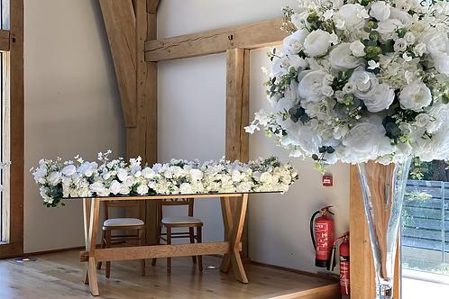 Deluxe top table arrangement