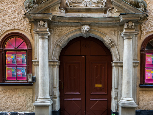About doors in Gamla stan