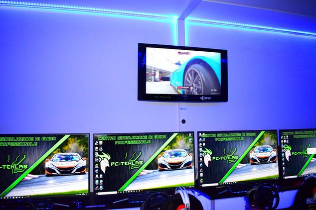 PC Gaming Milano, sala simulazione di guida