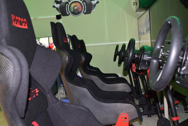 Simracing, realtà virtuale, sparatutto Milano, gaming Center PC-Teklab