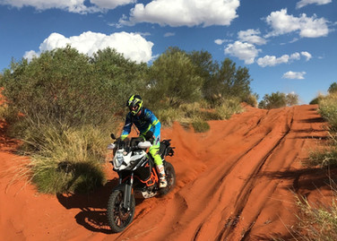 simpson desert motorbike tours