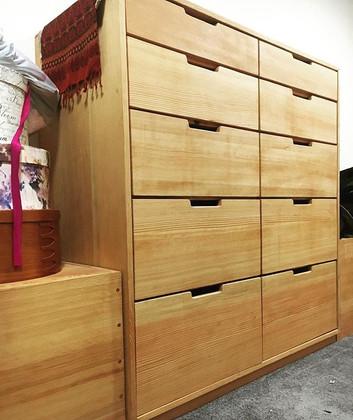 Fir dresser and bench combo._._.jpe