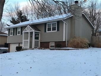 New Listing In Lee's Summit