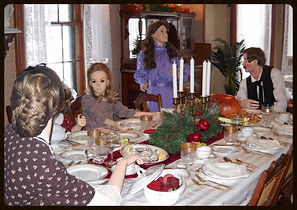 mannequins at the dinner table