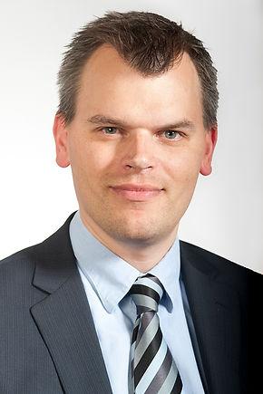 Dr Robert Barker
