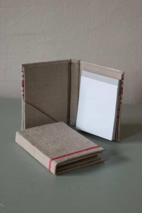 Notizbuch in antikem Leinen