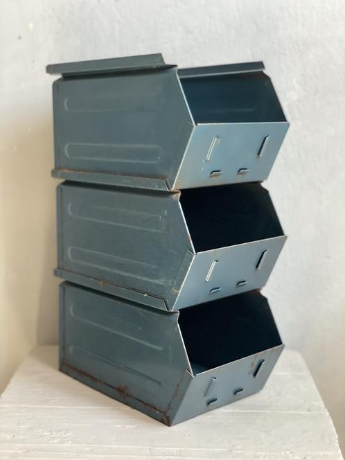 Vintage Metall-Stapelkiste Set 3er
