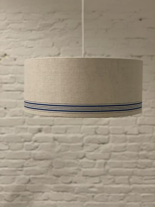 Deckenlampe aus antikem Roll-Leinen
